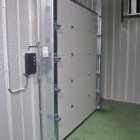 [es:puerta acústica seccional - RS-HA - 31-44 dB][en:sectional acoustic door - RS-HA - 31-44 dB][fr:porte sectionnelle acoustique - RS-HA - 31-44 dB][de:akustische sektionaltor - RS-HA - 31-44 dB]