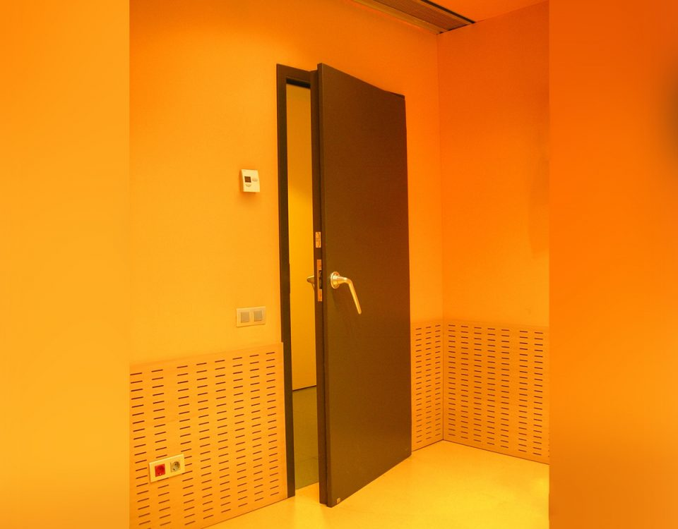 [es:puerta acustica RS-BASIC 42dB][en:RS-BASIC 42dB acoustic door][fr:Porte acoustique RS-BASIC 42dB][de:Schallschutztür RS-BASIC 42dB]