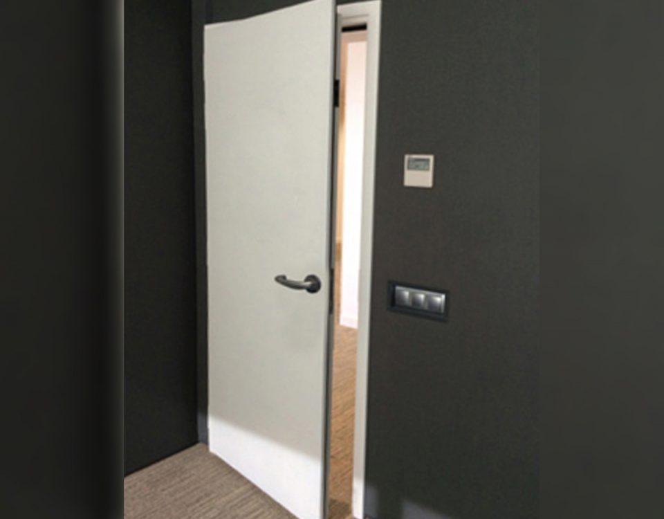 [es:puerta acustica RS-ESSENTIAL 49dB][en:RS-ESSENTIAL 49dB acoustic door][fr:Porte acoustique RS-ESSENTIAL 49dB][de:Schallschutztür RS-ESSENTIAL 49dB]